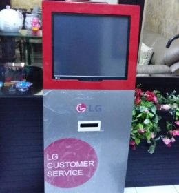 mesin antrian touchscreen